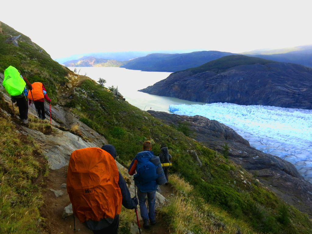 Hiking above Glaciar Gray