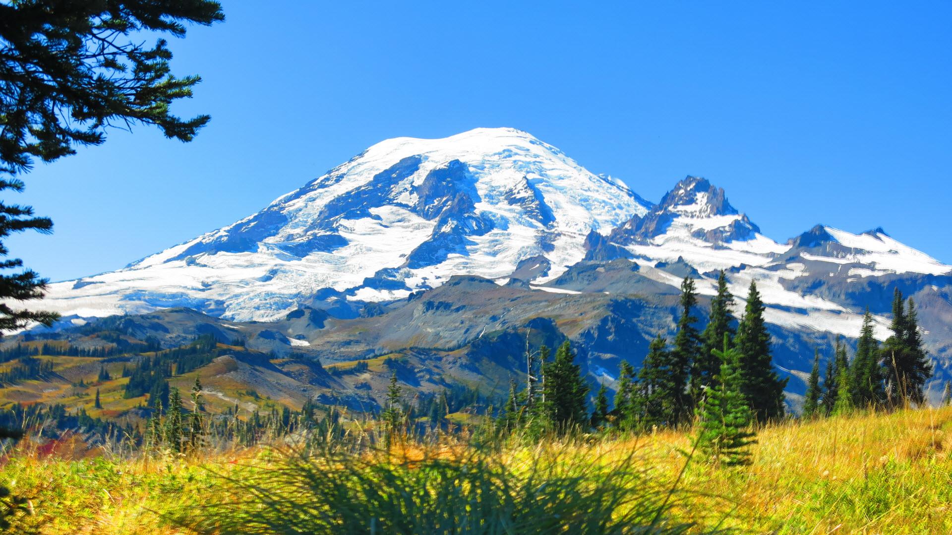 Mt. Rainier from the Wonderland Trail